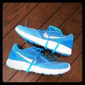 Turquoise Nike Shoes sz 7.5